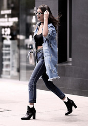 bella hadid,Bella Hadid Crop Top,crop tops,black crop top,denim jacket,denim,jeans,boots,black boots,celebrity,streetstyle,bag,white bag,sunglasses,high waisted jeans,round sunglasses