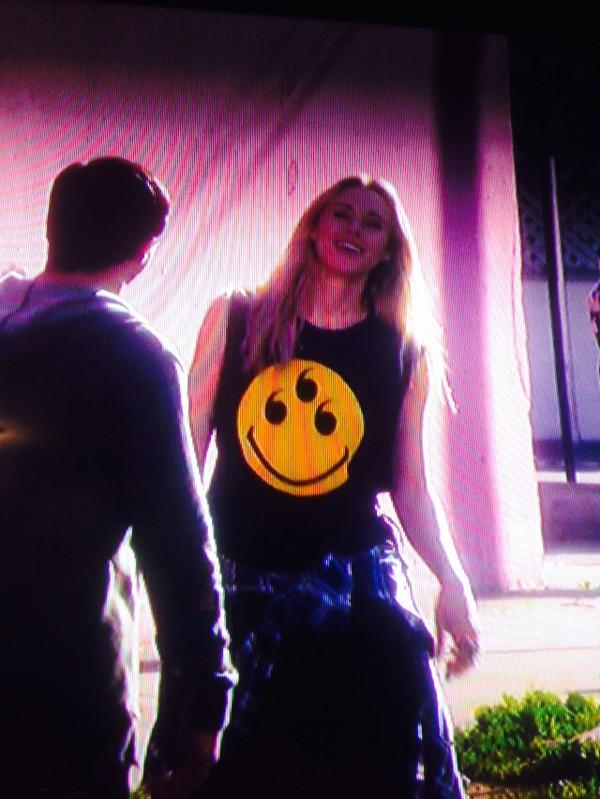 t-shirt ivy sullivan 90210