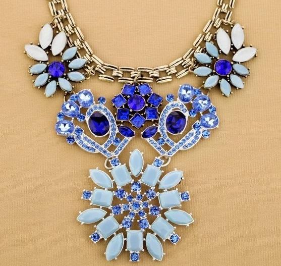 Blue Gems Flower Necklace
