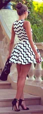 dress,shoes,black and white dress,stripes,summer dress,black,white,sleeveless skater dress,striped dress,blue,blackandwhitechevron,short dress,chevron black and white,chevron,chevron dresses