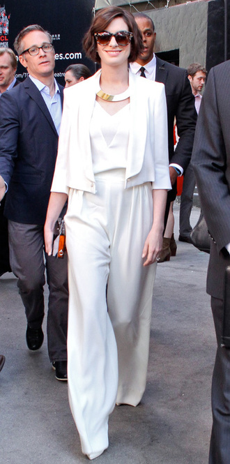 white pants top jacket anne hathaway max mara
