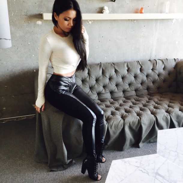 0e3447688e4 blouse top t-shirt style crop tops cropped sweater high heels high waisted  jeans high