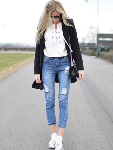 a9c6c8f934 White Lace Up Front Sweatshirt -SheIn(Sheinside)