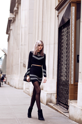 bekleidet blogger sweater skirt two-piece bag shoes jewels
