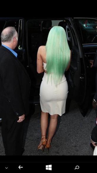 hair accessory green hair kylie jenner crop tops ivory skirt pencil skirt tan heels