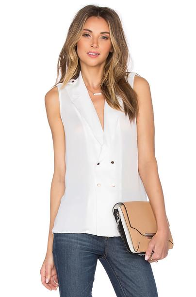 L'Academie blouse white