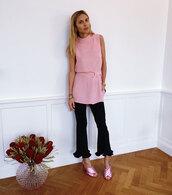 look de pernille,blogger,top,pants,shoes,pink top,gucci mules,mules,pink shoes,gucci,gucci shoes,kick flare,black pants,flare pants,flowers