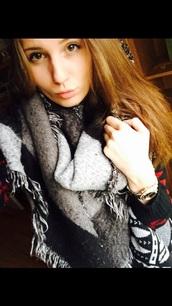 cardigan,black,grey,red,pattern,cuddly cardigan