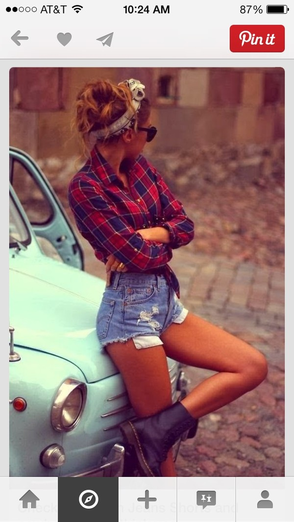 shirt red shorts shoes hat plaid