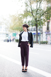 lucitisima,blogger,cropped pants,white t-shirt,black heels,plum