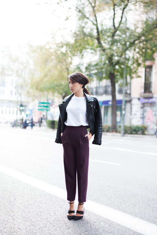 lucitisima blogger cropped pants white t-shirt black heels plum