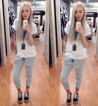 pants jeans joggers sweats sweatpants top casual white t-shirt shoes love style kimberry lips