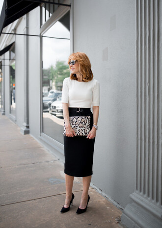 themiddlepage blogger dress bag shoes jewels pencil skirt clutch pumps high heel pumps white top black skirt