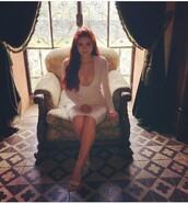 dress,ariel winter,v cut white dress,v cut white long sleeve,white dress,bodycon dress