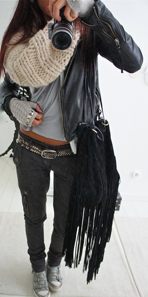 jeans scarf jacket black leather jacket bag pants sneakers infinity scarf fringed bag shoulder bag grey pants grey t-shirt grey jeans belt leather jacket style studs gloves black silver coat cool camera knitted scarf white shoes purse pretty zip phone cover leather grey scarve black jeans home accessory