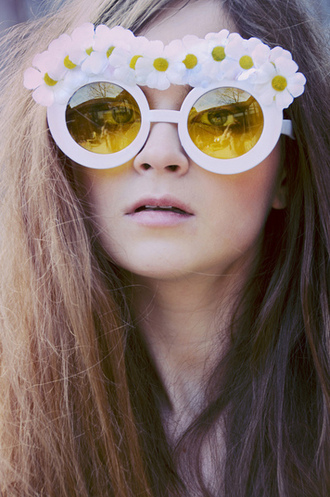 daisy white sunglasses sunglasses