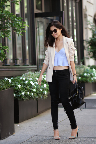 fake leather blogger jacket top jeans sunglasses jewels
