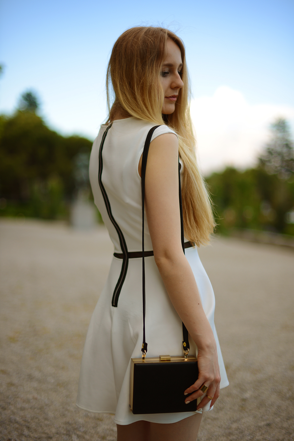 Tiphaine's Diary - Switzerland based fashion blog: WHITE DRESS