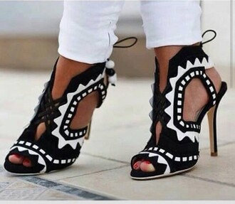shoes sandals high heel sandals black and white