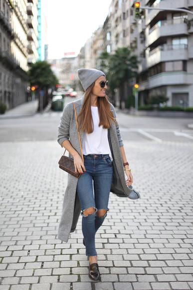white t-shirt blogger jewels grey coat b a r t a b a c bag sunglasses ripped jeans