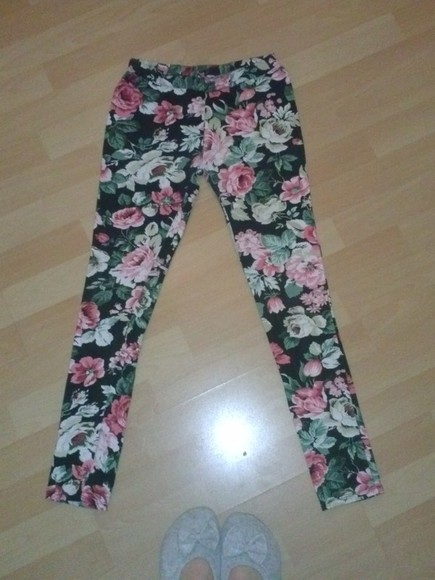 pants leggings black cute leggings with flower print flowers floral cute leggings flower print rosa
