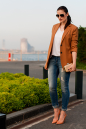 the bow-tie,jacket,t-shirt,jeans,shoes,bag,sunglasses,blazer,shirt,orange,spring
