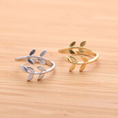 jewels,jewelry,leaves,leaf ring,babyleaf ring,adjustable ring,ring