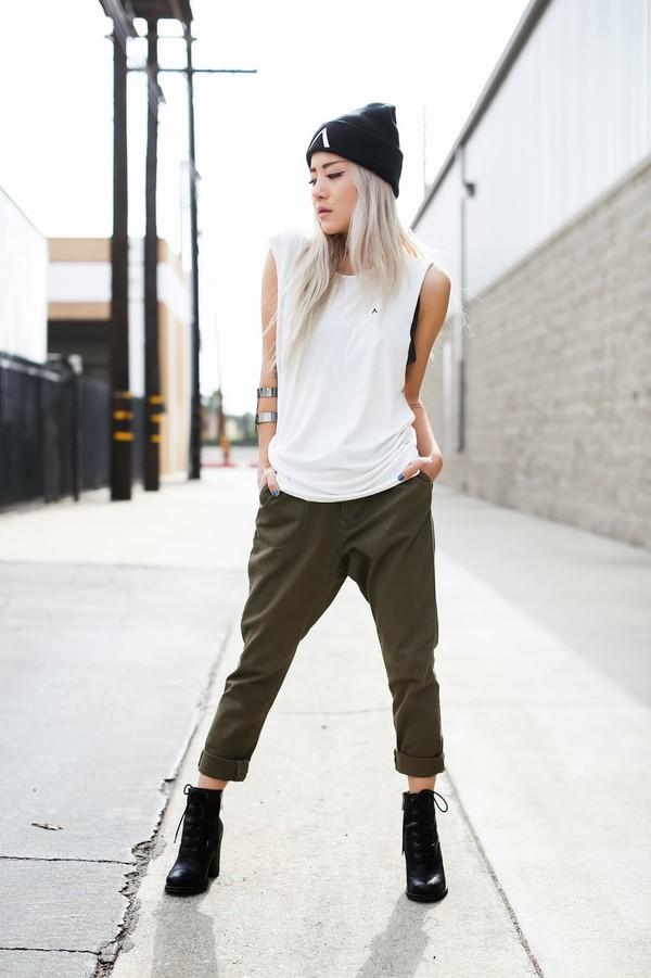 feral creature hat tank top t-shirt pants jewels shoes