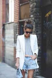 shorts,blue,denim,jacket,t-shirt,belt,big white blazer,simple grey tee,belted shorts,distressed denim