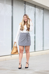 skirt,mini skirt,gingham skirt,bell sleeves,pumps,blogger,blogger style,off the shoulder top,tote bag