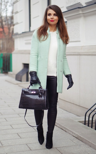 a piece of anna blogger coat bag pants shoes