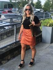 skirt,faux leather mini skirt,mini skirt,espadrilles,t-shirt,tote bag,louis vuitton,blogger,blogger style