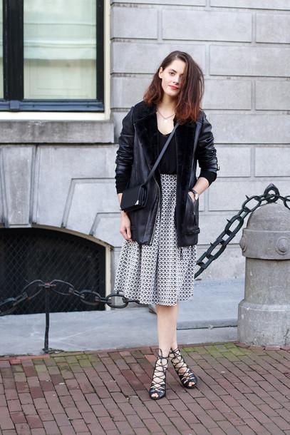 fashion fillers blogger strappy sandals midi skirt pattern shearling jacket winter jacket mini bag black shearling jacket