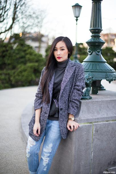 tlnique coat jeans tank top