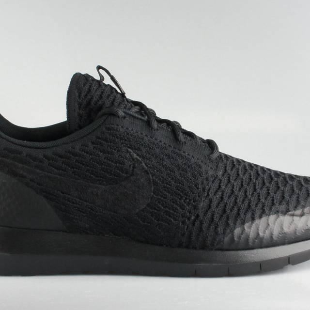 best service cc74e 34932 Nike Men s Roshe Run Flyknit SE Black
