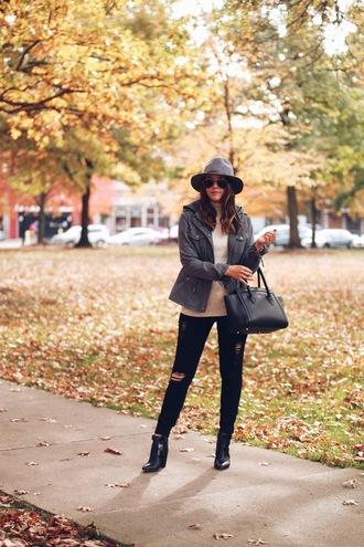 fashionably kay blogger jacket top shoes hat fall outfits felt hat handbag black bag black skinny jeans ankle boots