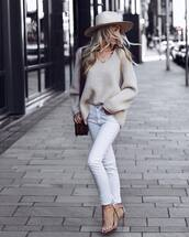 sweater,knitted sweater,oversized sweater,wool sweater,v neck,jeans,white jeans,skinny jeans,sandals,high heel sandals,shoulder bag,necklace,hat