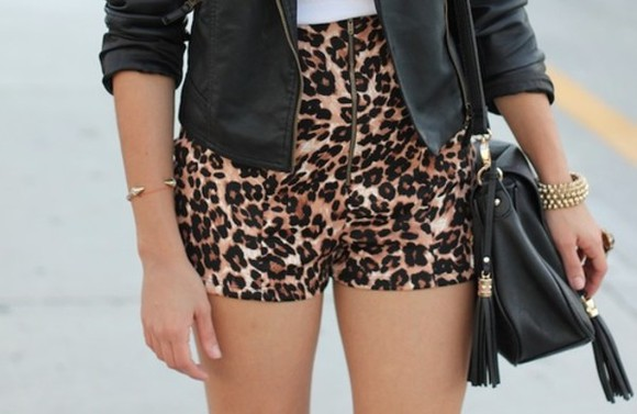 clothes shorts girl's clothes vintage girly High waisted shorts leopard print leopard leather short perfect combination printed short bag jewels