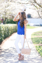 southern curls and pearls,blogger,jewels,blue top,white jeans,white pants,skinny jeans,pink bag,nude bag,nude heels,wedges