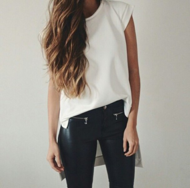 jeans blouse pants t-shirt leder style leggings white t-shirt fashion trendy leather pants black pants black and white black jeans black