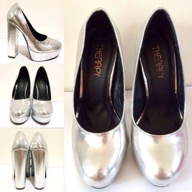 Therapy silver mirror matellic chunky heel platform heel