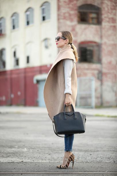 brooklyn blonde blogger jeans bag make-up coat