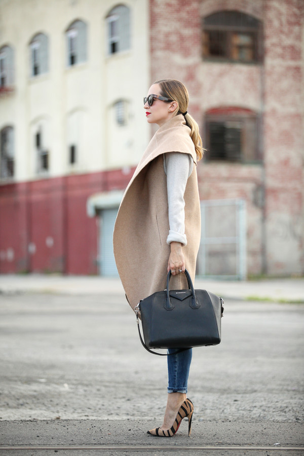 brooklyn blonde blogger jeans bag make-up coat