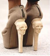 skull,skull shoes,shoes,beige boots,heels,high heels,brown,halloween,nude,shorts,beige,skeleton,brown high heels,sipper,ankle boots,booties,beige booties,kermit,boots,crazy heels,cream,stilettos,fashion,style,zips,gold,brown booties