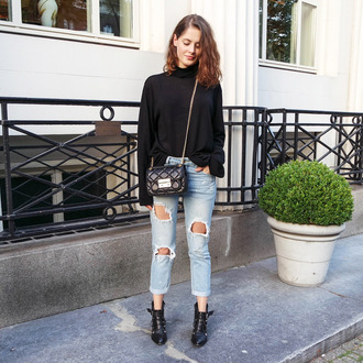 fashion fillers blogger sweater jeans bag shoes