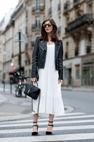 simple et chic blogger leather jacket white dress yves saint laurent round sunglasses black heels