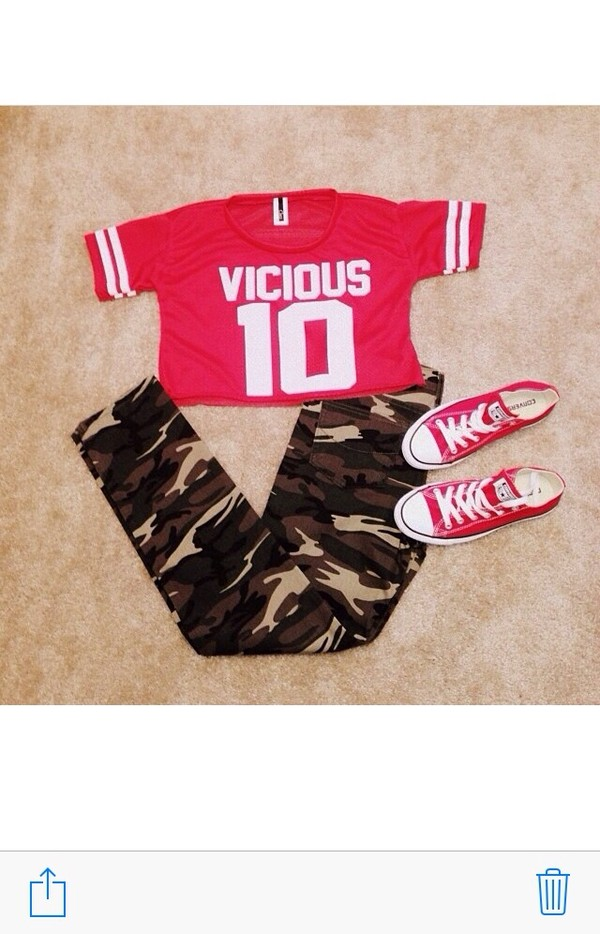 jeans t-shirt red camo pants jersey shirt
