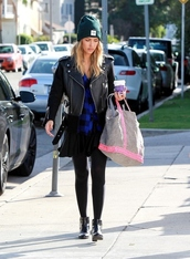 jessica alba,beanie,leather jacket,shirt,jacket,hat
