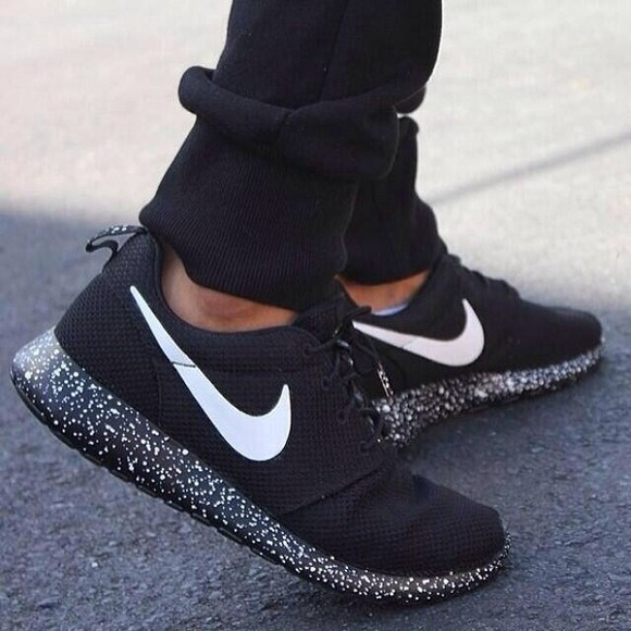 shoes dots nike roshe black sneakers dotted souls nike running shoes nike sneakers spots black nike
