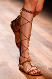 shoes,gladiators,sandals,Valentino,brown,flats,valentino rock stud,lace up,knee high gladiator sandals
